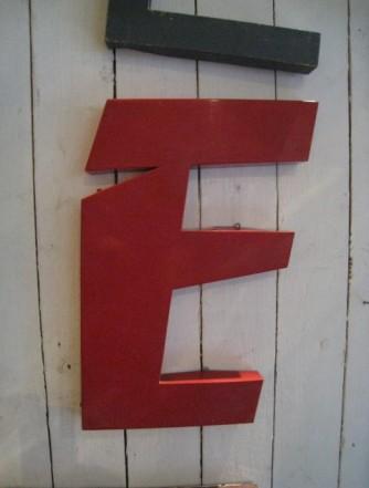 Bogstav E