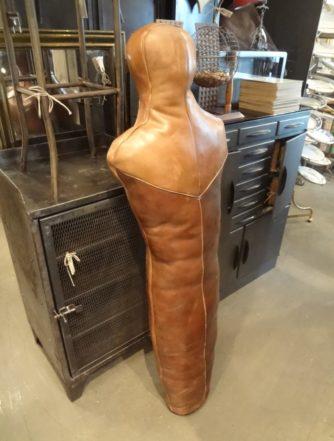 Bryderdukke i læder