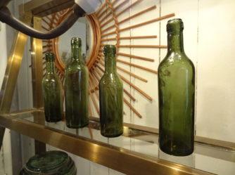 Vinflaske - petit échantillon de vin