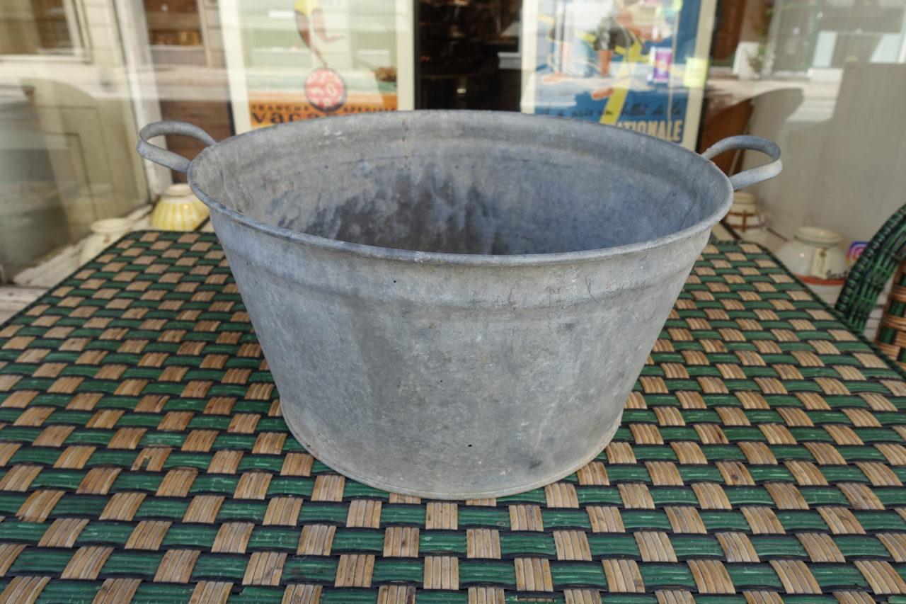 Zinc Tub - Fil De Fer