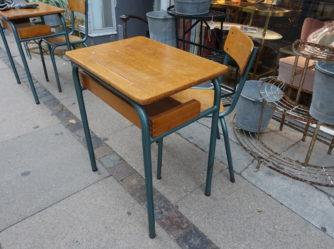 Skolebord og stol