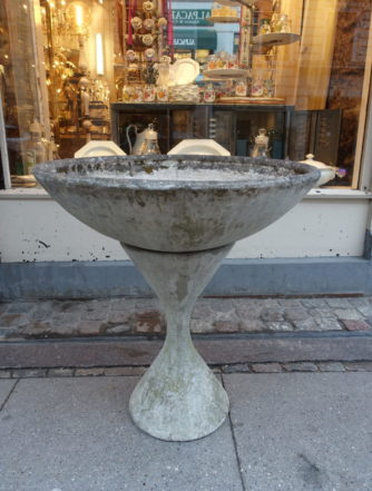 Planter and Base - Willy Guhl