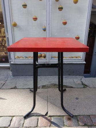 Cafébord i metal